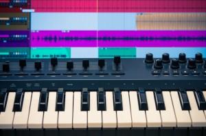 Midi keyboard with daw 2